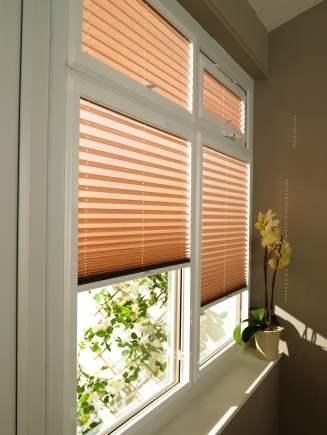 Creped Amber Window blind