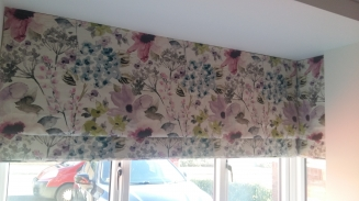 Floretta Berry Window blind