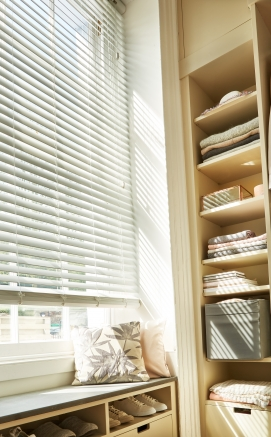 Cool White Fauxwood Window blind